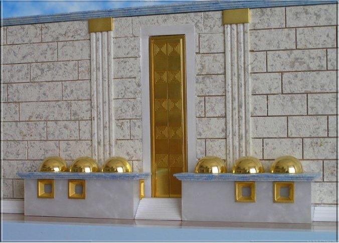 Poarta estica a Curtii exterioare