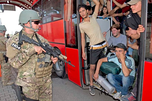 Hungarian-Army-and-Croatian-police